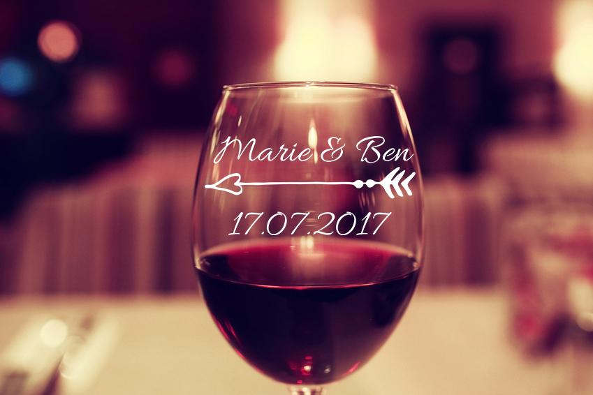 Aufkleber Hochzeit PFEIL mit NAMEN & DATUM für Glas Weinglas
